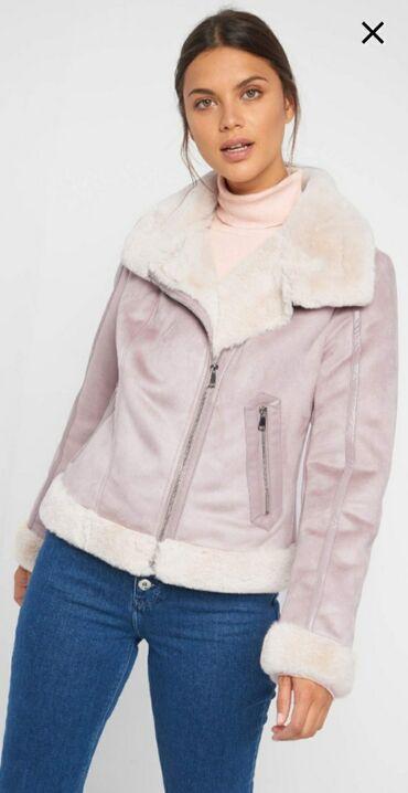 Orsay kratka jaknica - monton u pastelnoj boji. Prelepo stoji