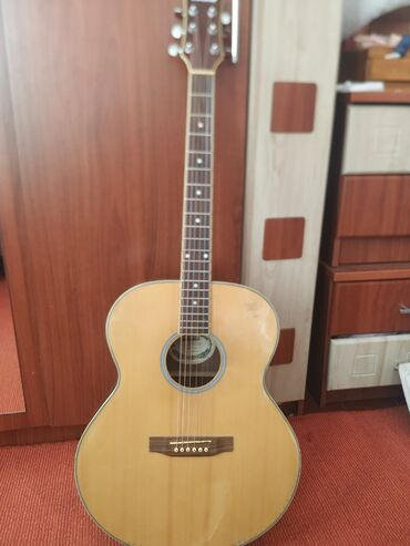 Музыкальные инструменты - Кыргызстан: Продаю гитару фирмы adonis. Гитара с очень ярким и четким звуком