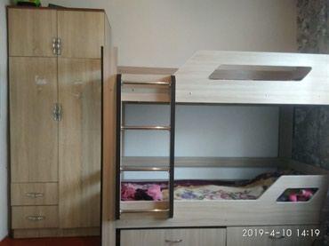 Продаю двух ярусную кровать и шифоньер в Бишкек