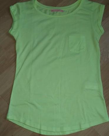 Neon zelena majica kupljena u Bershkoj u Beču. - Cacak
