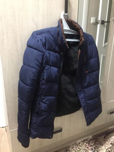 Продам осеннюю куртку, носил аккуратно