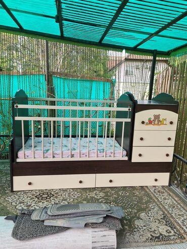 Детская кроватка от 0до 8 лет. Пользовались очень мало,состояние