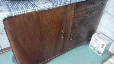 деревянный комод в Азербайджан: Продается Советский комод- стол стиля 50-60годов.На дверце повреждена