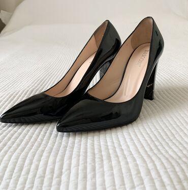 туфли-черные-женские в Кыргызстан: Продаю очень красивые туфли 37 размер «Basconi» Турция одевала 2 часа