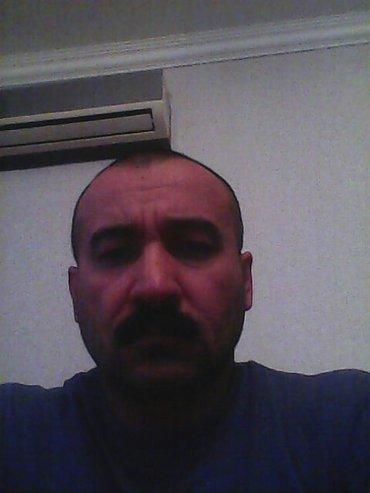 Bakı şəhərində Ищу работу водителя,охраны,курьера на своей машине.45 лет,категория Б.