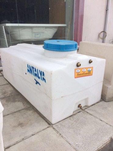 Bakı şəhərində Plastik su cenleri
