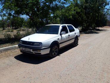 Транспорт - Боконбаево: Volkswagen Vento 2 л. 1992 | 230 км