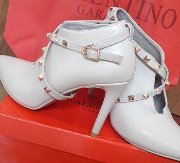 tufli valentino original в Кыргызстан: Туфли Valentino  В отличном состоянии, одевали 1 раз