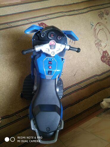 Продаю детский мотоцикл . Работает на зарядке .есть кнопки с музыкой