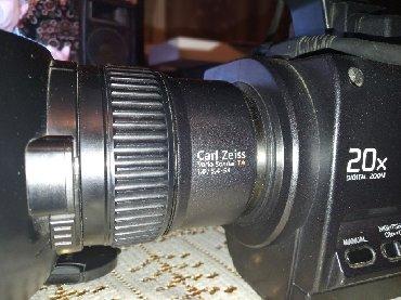 SONY 1000 HDV Camera normal vəziyyətdədir.mini dv kasetə HD çəkir