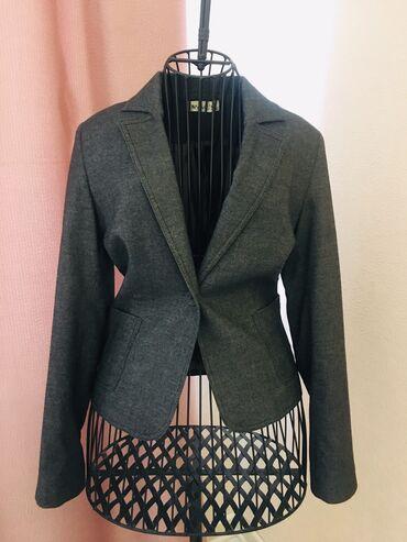 Htc one mini grey - Кыргызстан: Пиджак женский короткий с плечиками, твид в крапинку, хорошо смотрится