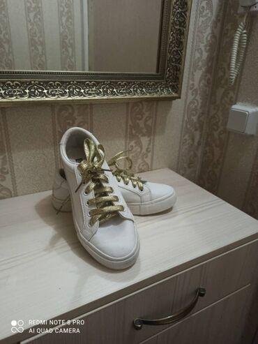 razmer 38 39 в Кыргызстан: Продаю обувь в хорошем состоянии размер 38-39 район ортосайского