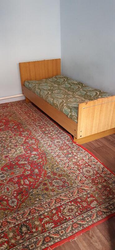 продажа комнаты в Кыргызстан: Сдаётся комната без прихожки семейным. Рабочий городок ул.Красная