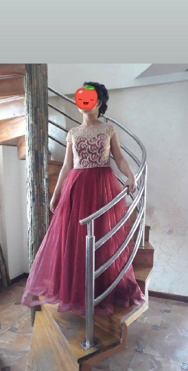 красное платье на свадьбу в Кыргызстан: Продаю платье. Брали за 6000. Продаю за 3000. Одевала один раз на свад