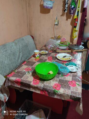 уголок для кухни в Кыргызстан: Продаю уголок для кухни цена аканчатално 7500 пачти новый