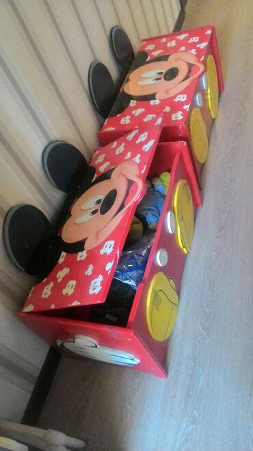 Детская мебель - Цвет: Красный - Бишкек: Детские сундуки (ящики или шкафчики) для игрушек, в отличном