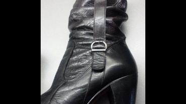 Čizme, italijanske, br.38, kožne, izuzetno udobne, visina stikle - Obrenovac