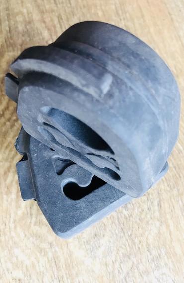 audi 100 2 ат в Кыргызстан: Подвесная резинка глушителя. Кандайдыр бир аймакка жеткирүү!жеткирүү