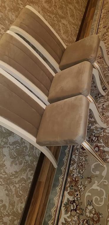 ПРОДАЮ новые стол и стулья!!! в Бишкек