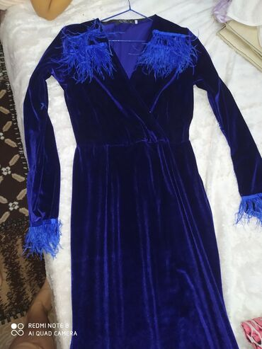 вечернее платье 48 50 размер в Кыргызстан: Ну очень красивое вечернее платье размер 48-50 2000 сом