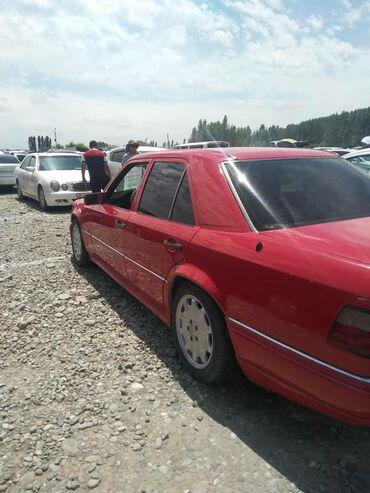 Mercedes-Benz E 320 3.2 л. 1995   250 км