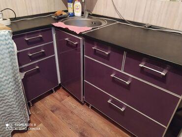 Продаю кухонный гарнитур,акрил,шкафы раздельные,нижние от