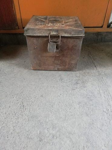 прочные пластиковые ящики в Кыргызстан: Продам ящик металлический32*29*30. Стоимость 200 сом