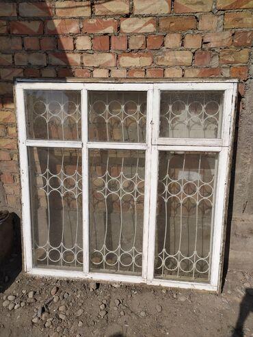 Цены на решетки на окна - Кыргызстан: Деревянные окна с решеткой 1.5*1.5. Количество 3 шт. Цена 3000 сом за