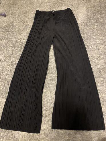 Pantalone velicina m - Srbija: Rastegljive cele,jako lepo padaju,univerzalna velicina