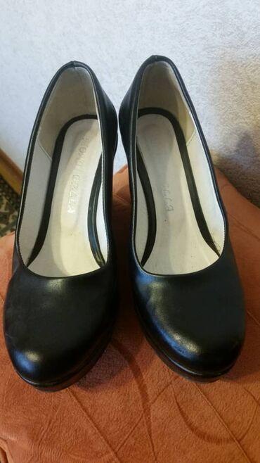Женские туфли размер 39 кожа, состояние отличное