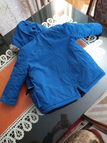 Na prodaju zimska jaknica za decaka,velicina 3-4 godine,98/104.Jaknica