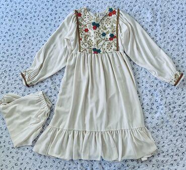 Продаю платье со штанами новое, очень нежное и красивое. На платье