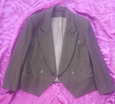 Runske vune - Srbija: Vuneni kratak sako, vel. 42/44 proizveden u Jugoslaviji. Označena
