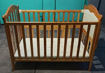 Детская кроватка (с 0 до 5 лет).  Высота ложе, в кроватке, регулирует
