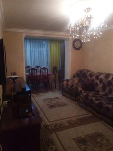 Bakı şəhərində Tecili ev satilir!!!!! Elit ticaret merkezinin arxasinda temiri yaxshi