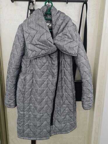 Pringle zenski kratki kaput - Srbija: PS zenska jakna - vel.38Dimenzije:Sirina ramena:48cmSirina grudi