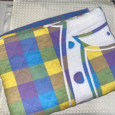 Двухстороннее одеяло, размер 1,5 на 1,5. Производство Китай