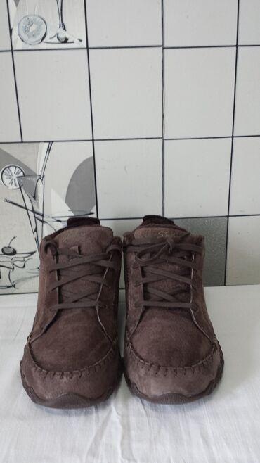 Новые, замшевые, утеплённые полуботиночки -SKECHERS . Размер 36.5