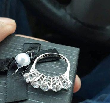 Xırdalan şəhərində Gümüş üzük əldə olur çatdırılma metroya rayonlarada poçtla göndərilir