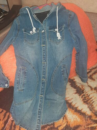 Удлинненная джинсовка размер 44-46 как новая в идеальном состоянии