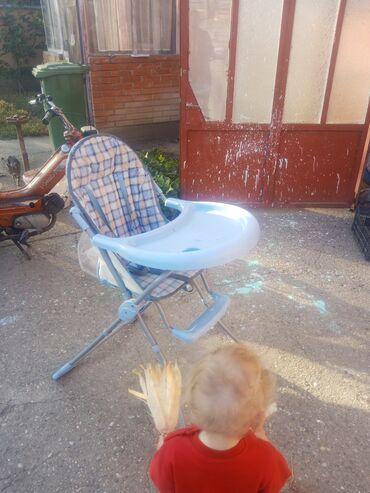 Patike za fudbal - Stara Pazova: Stolica za hranjenje bebe, 1000 din