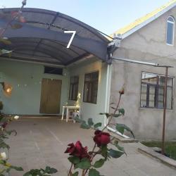 xırdalanda kirayə evlər - Azərbaycan: Kirayə Evlər Sutkalıq vasitəçidən: 200 kv. m, 3 otaqlı