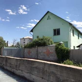 Срочно продам 2-эт. дом (200кв. м) в Бишкек