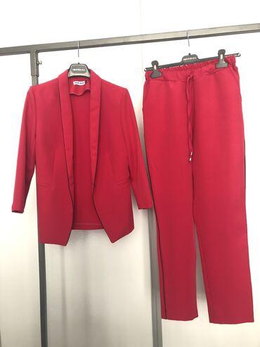 Женская одежда в Баетов: Шикарный костюм  Размер - s/m  б/у ———————————————————-  #одеждыбишкек