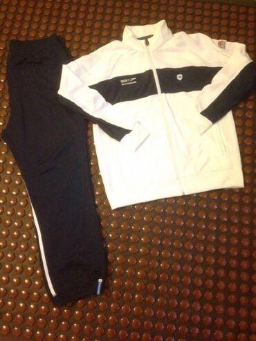 Спортивные костюмы - Кыргызстан: Продаю спортивный костюм Adidas Originals Porsche Design 917.Размер -