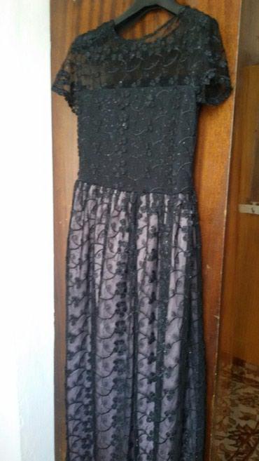 черное длинное платье в Кыргызстан: Длин. вечерное черное платье. одевалось один раз. сидит отлично