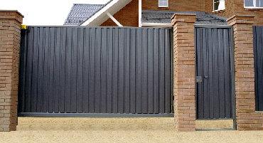 Откатные ворота Самыми надежными воротами считаются откатные