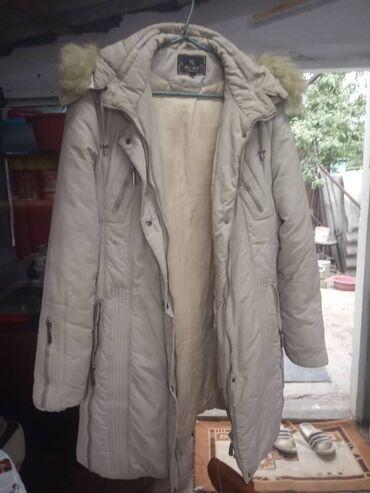 Личные вещи - Кемин: Женские куртки, каждая по 300