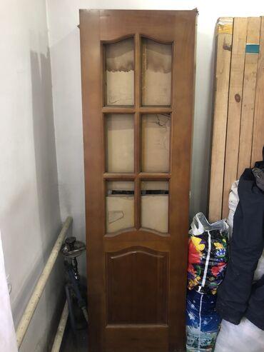Двери деревянные 60 см на 2м за одну штуку 1000сом количества 6 дверей