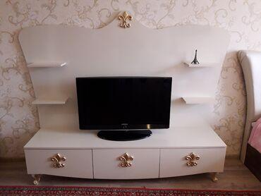 televizor fiqurlari - Azərbaycan: Televizor altı satılır çox az işlənib.Süd rəngi mebeldi.1 ildi alınıb